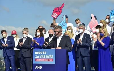 """""""Budu se za vás rvát,"""" vzkázal Babiš voličům. Hnutí ANO slibuje důchody 20 tisíc a vyšší rodičovskou"""