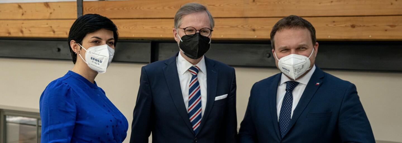 """""""Je to vlastizrada, Česko není na prodej, Hamáček by měl okamžitě rezignovat,"""" reaguje opozice na nové informace o cestě do Moskvy"""