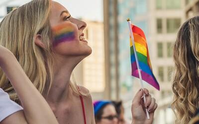 """""""LGBT jsou slepá vývojová větev. Dlouho tu nebudou,"""" napsal lékař Pollert. Snesla se na něj vlna kritiky"""