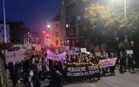 """""""Za odluku cirkvi od materníc."""" V Bratislave sa koná protest proti sprísneniu interrupcií"""