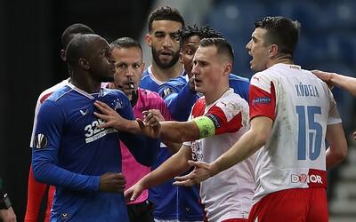 """""""Zakryl si ústa a řekl mi You're a f*cking monkey,"""" říká Kamara, který po zápase napadl slávistu Kúdelu"""