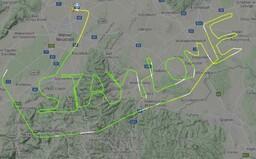 """""""Zůstaňte doma!"""" Pilot v Rakousku vyslal drahou svého letu důležitý vzkaz"""