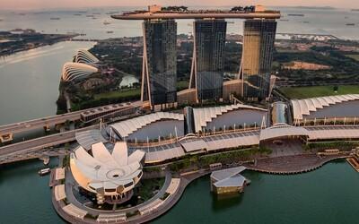 V Singapuru odsoudili muže na smrt kvůli necelým 30 gramům heroinu. Soudce mu verdikt oznámil přes videohovor.