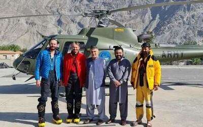 Čeští horolezci v Pákistánu porušili podmínky pojištění. Půl milionu za záchranu musí zaplatit ze svého.