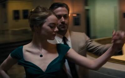 Emma Stone a Ryan Gosling to roztáčajú s plnou parádou! Fenomenálny trailer na muzikál La La Land od režiséra Whiplash vás prinúti ísť do kina