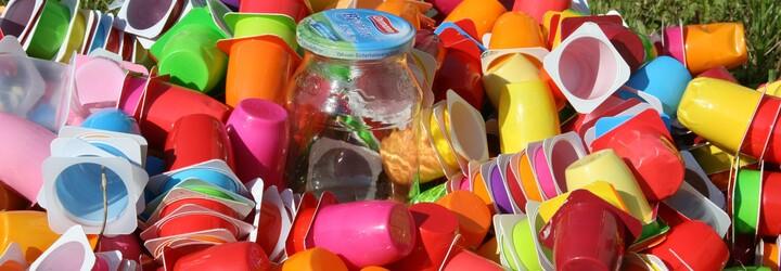 Slovenskí používatelia internetu zodpovedne triedia odpad. Plasty separuje drvivá väčšina z nich