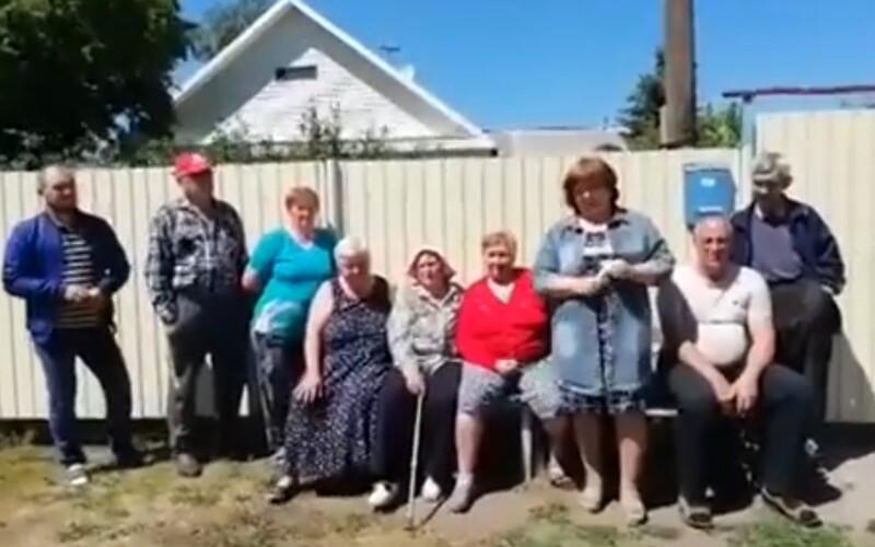 Zúfalí obyvatelia ruskej Sibíri žiadajú Angelu Merkelovú, aby im postavila cestu. Máme nemecké korene, odkazujú.