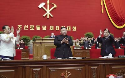 Kim Čong-un není nemocný, zlepšuje si fyzickou kondici a posiluje svou moc, říká jihokorejská rozvědka.
