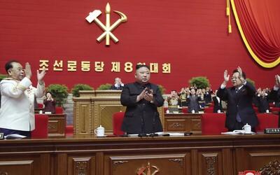Severní Korea opět testuje rakety. Řízená střela dlouhého doletu urazila 1 500 kilometrů a zasáhla cíl.