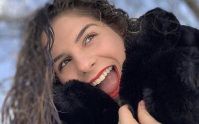 Nejmladší evropskou obětí koronaviru je šestnáctiletá Francouzka. Před smrtí neměla závažnější příznaky.