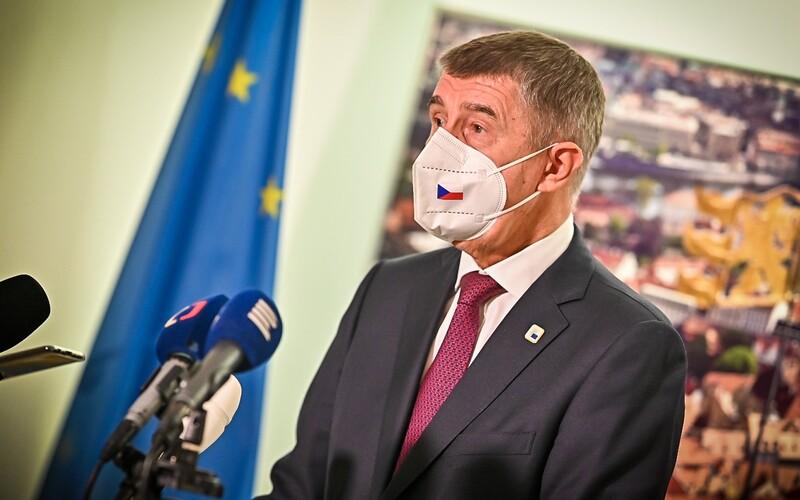 Česku chybí lékaři. Žádá o ně spojence, přestože na jaře své vlastní doktory na pomoc nevyslalo.