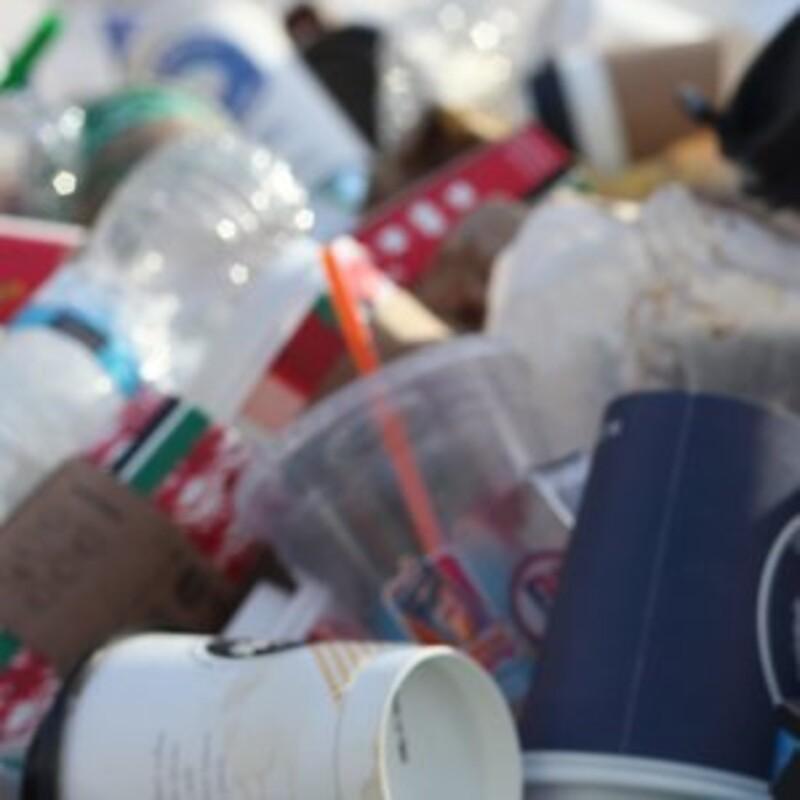 Koľko kilogramov odpadu vyprodukuje priemerný Slovák za rok?