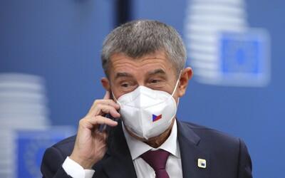 """Nouzový stav bude zřejmě prodloužen, informoval Andrej Babiš. """"Čísla neustále rostou,"""" řekl."""