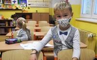 1. a 2. třídy by se mohly 18. listopadu vrátit do škol, říká Babiš