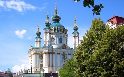 10 destinácií, kam si môžeš toto leto zaletieť z Bratislavy, keď nemáš veľa peňazí