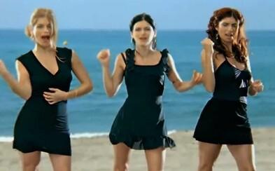 10 hitov začiatku milénia. t.A.T.u sa hrali na lesbičky, Julia by však syna homosexuála nechcela