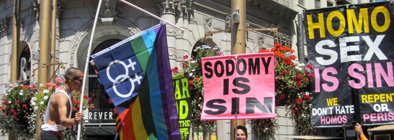 10 krajín, kde to majú homosexuáli najťažšie. Čakajú ich tam útoky mačetami, bičovanie a kruté ukameňovanie