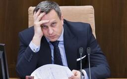 10 najbizarnejších momentov odchádzajúceho Andreja Danka: Bozkával výložky a cez telefón aj Zsuzsovú, často si sám priťažil