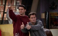 10 najvtipnejších scén s Joeym a Chandlerom, ktoré nás v Priateľoch dostávali do kolien