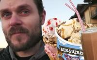 100 dní jedl jen zmrzlinu, která tvořila až 80 % kalorií a protein. Dokázal, co chtěl, zhubl 15 kil a překvapil ho i krevní rozbor