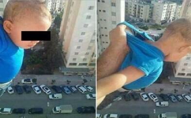 1000 lajkov alebo ho pustím! Otec vystrčil svoje dieťa z okna na 15. poschodí, aby na Facebooku získal väčšiu popularitu a skončil vo väzení
