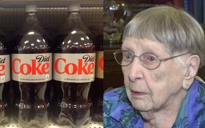 104-ročná babička verí, že diétna Cola je kľúčom k jej dlhovekosti. Starenka si svoj obľúbený nápoj nedokáže odpustiť