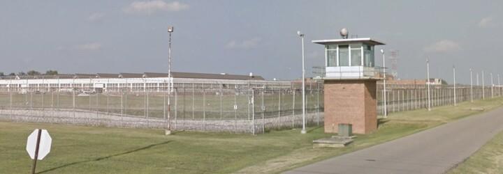 Velká část nakažených v USA jsou vězni. Ve vězení v Ohiu onemocnělo až 73 % všech odsouzených