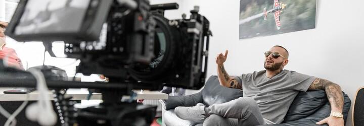 Žiaden rodinný medailónik o Rytmusovom živote. Dokument Tempos ti na Netflixe ukáže históriu slovenského hip-hopu