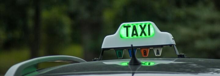 Češi si objednali taxi a místo Fabie je vyzvedlo Ferrari. Vydařená kampaň potěšila zákazníky z Olomouce