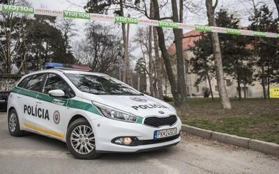 14letý hoch na Slovensku údajně podpálil 12letého chlapce. Ten nyní bojuje o svůj život v nemocnici