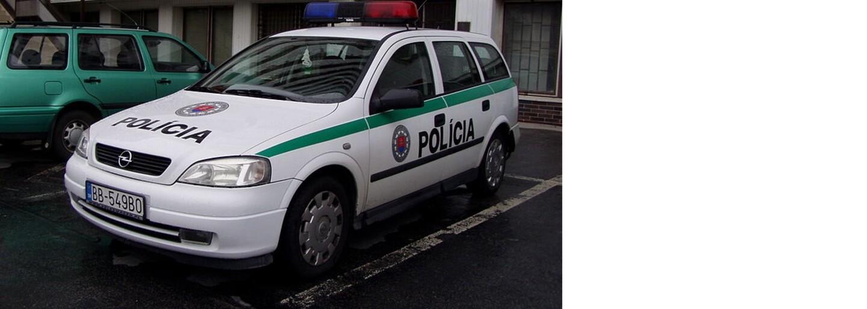 14-ročný chlapec za volantom nafúkal pol promile. Senický školák si vraj dal jedno pivo a policajtov upútal pomalou jazdou