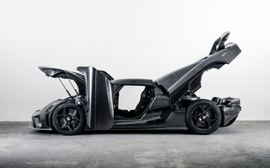 1500koňový unikát z karbonu. Koenigsegg vyrobil Regeru jen z nahých uhlíkových vláken