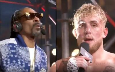"""Šéf UFC Dana White dlhuje Snoopovi Doggovi za výhru Jaka Paula 2 milióny dolárov. """"Kde sú moje prachy?"""" vykrikoval raper."""