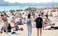 16 Čechů se v červenci ze zahraničí vrátilo s koronavirem. Není to žádné statisticky významné číslo, uklidňuje Vojtěch