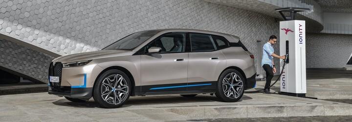 Elektromobil iX s dojazom vyše 600 km sa stáva novou technologickou vlajkovou loďou BMW
