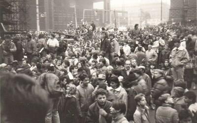 17. novembra 1989 bol v Prahe v dave, ktorý brutálne zbili komunistické špeciálne jednotky. Mali sme strach, hovorí český lekár
