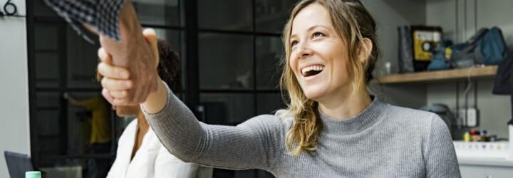 Seznámení s rodiči partnera: Jak udělat dobrý první dojem a co nikdy nedělat?