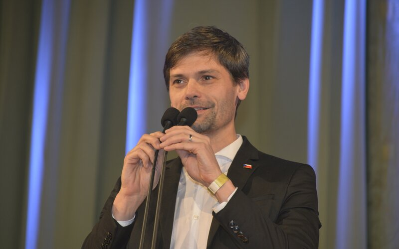 Senátor Marek Hilšer na tiskové konferenci oznámil, že se bude v nadcházejících volbách opět ucházet o post prezidenta České republiky.