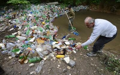 18letý Ir vyhrál 50 000 dolarů, vymyslel efektivní způsob odstraňování mikroplastů z vody