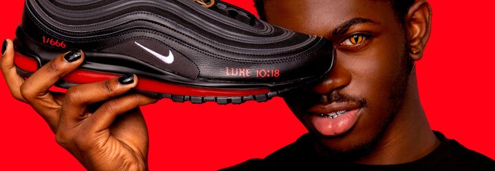 """Nike žaluje """"satanistické"""" tenisky Air Max, které představil známý raper. 666 párů obsahuje lidskou krev a pentagram"""