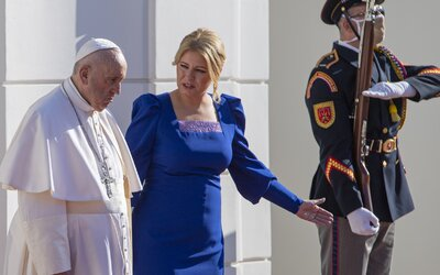 ZÁZNAM: Boris Kollár zobral na stretnutie s pápežom Františkom 10 detí