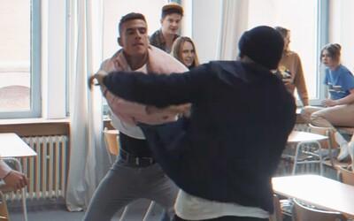 Hromadná bitka na strednej škole! Vyprovokoval ju náš moderátor