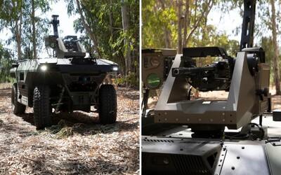 V Izraeli predstavili robot s dvomi samopalmi. Dokáže strieľať, zachraňovať zranených vojakov či vystopovať špiónov.