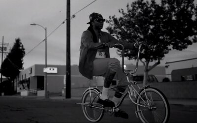 2 Chainz a jeho West Coast klip Trap Back