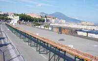 2 kilometre, 5 pecí, cez 200 tvorcov. Najdlhšia pizza na svete pochádza z Neapola a nasýtila by poriadne množstvo ľudí