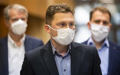 Na Slovensku treba čím skôr zaviesť lockdown, povedal lekár Visolajský z Ústredného krízového štábu. Plošné testovanie podľa neho nemá zmysel.