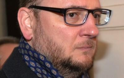 """""""Jeho strana je fízlovská parta,"""" pustil se bývalý premiér Nečas do šéfa hnutí Přísaha Roberta Šlachty."""