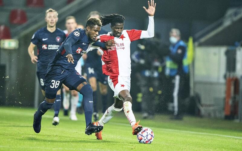 Slavia končí v Lize mistrů po prohře 1:4 a sporné penaltě.