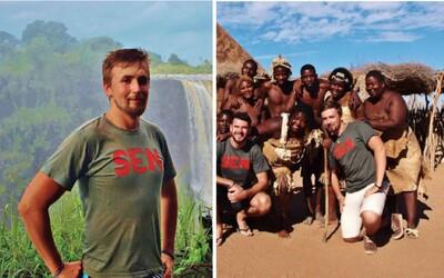 23letý průvodce František už skončil s nožem na krku. Někteří Afričané oslavují s kostmi mrtvých a natírají se barvou (Rozhovor)