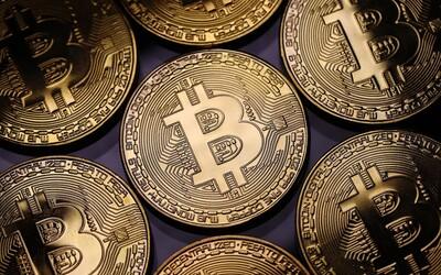 Čína zakázala transakce v kryptoměnách. Cena Bitcoinu začala obratem padat.